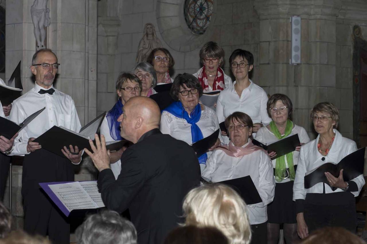 Concert à Brains de deux chorales Cantabile